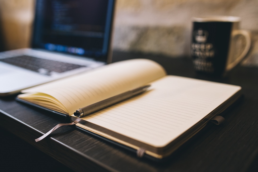 10 Compelling Reasons to Work with Professional Copywriters