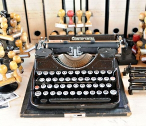 Work with Professional Writing Services or DIY Your Content – What Is the Best Option for Your Business?