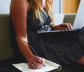 4 Signs It's Time to Outsource Content Writing